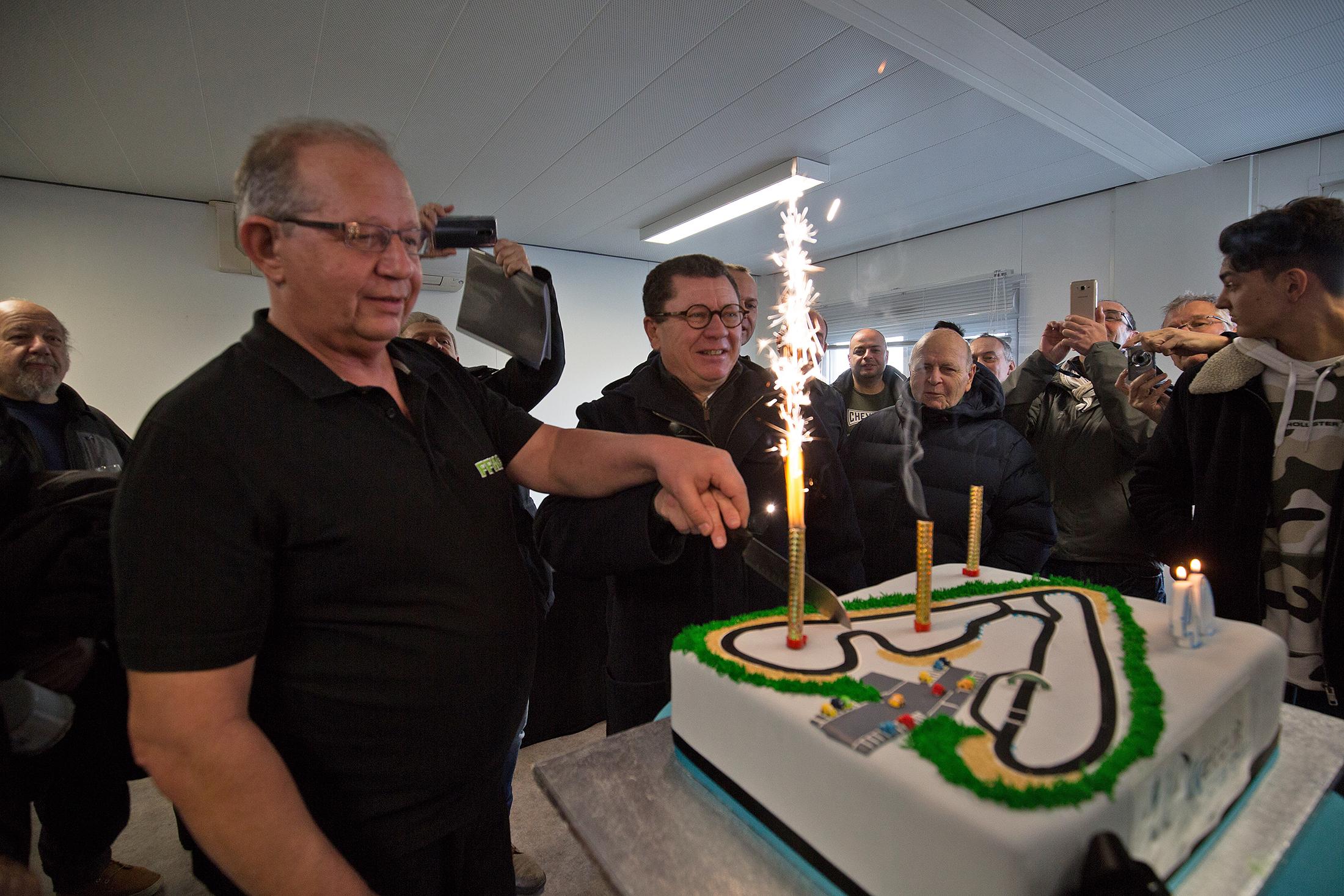 Un gâteau digne de son nom pour souffler les 40 bougies du circuit